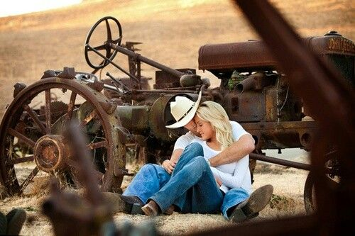 Country Couple #Hugs #Love #Countryboy #Countrygirl ...