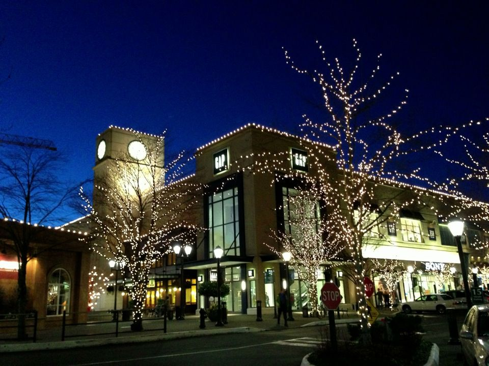 University Village Fancy Pants Outdoor Shopping Mall Outdoor Shopping Village University