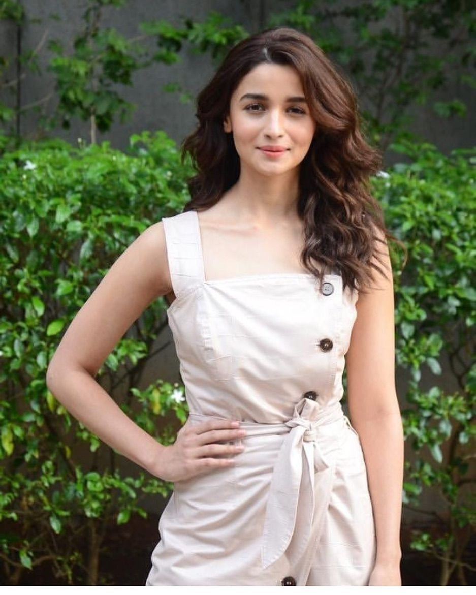 Alia Bhatt Looks Absolutely Flawless As She Turns Up For Gully Boy