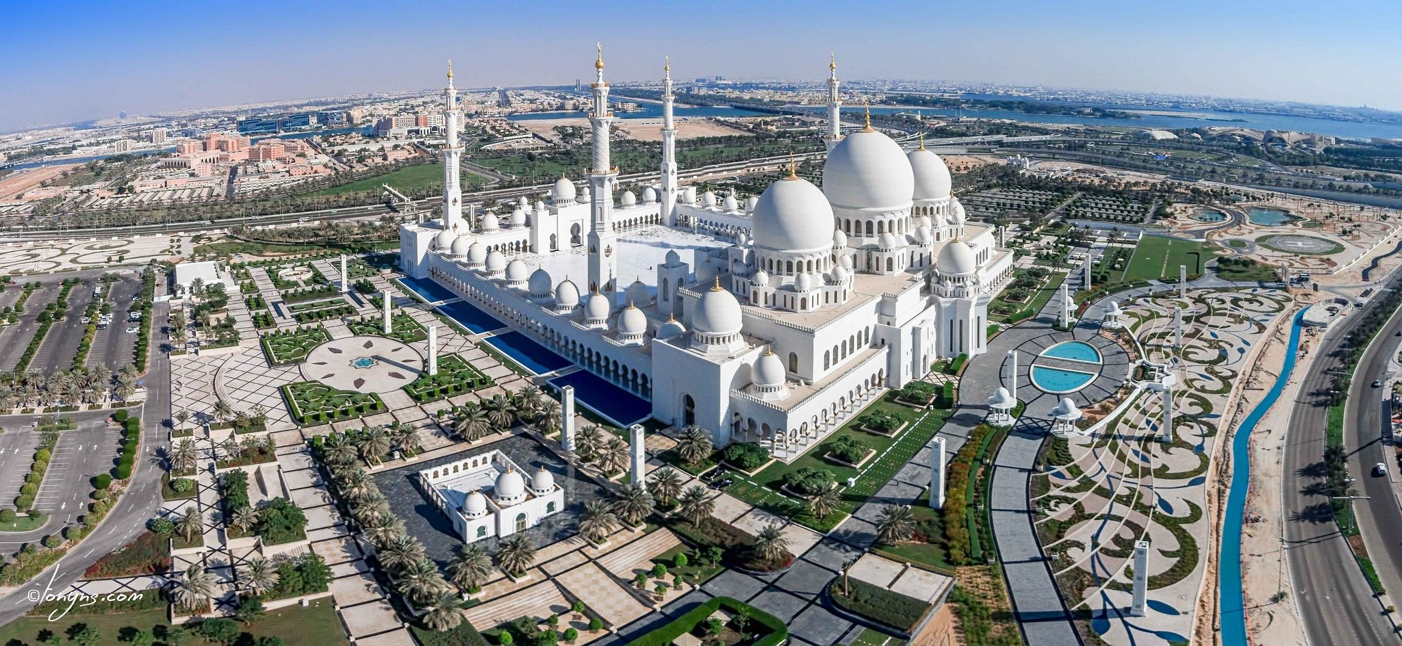 Grand Mosque - Abu Dhabi | Grand mosque, Sheikh zayed grand mosque, Mosque