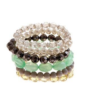 These would be SO easy to make. Just need the beads to go on sale at Michaels...