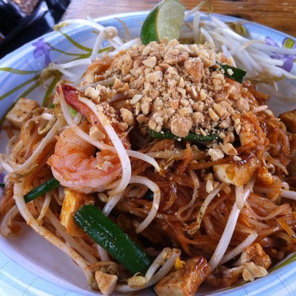 Shrimp pad thai opal thai food oahu pinterest shrimp pad shrimp pad thai opal thai food forumfinder Gallery