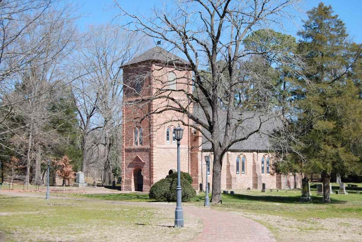 Historic St. Luke's Church and Cemetery, Smithfield