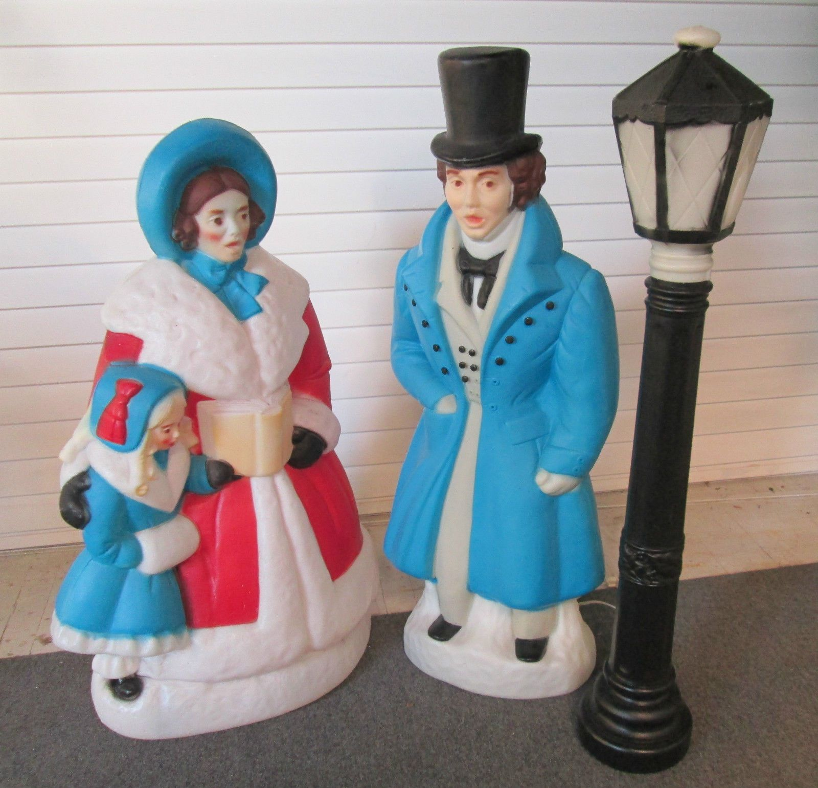 Christmas Caroler Yard Stakes: Victorian Carolers Dickens Christmas Blow Mold Light Up