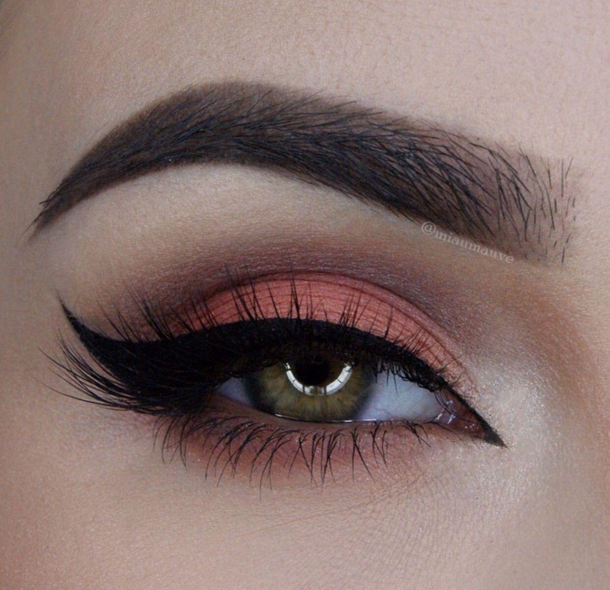 pingl par marisa asiram sur eye makeup pinterest maquillage maquillage yeux et id e. Black Bedroom Furniture Sets. Home Design Ideas