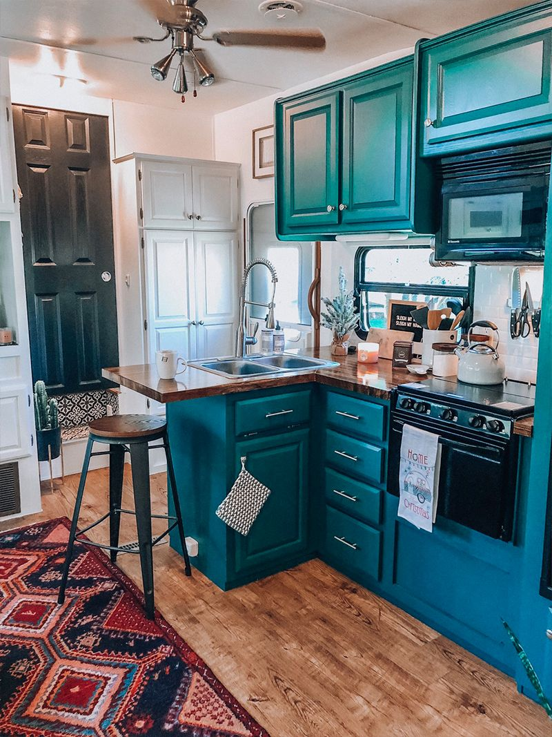See how a passion for international travel influenced the interior design of this camper renovation from @ems_traveldiary!