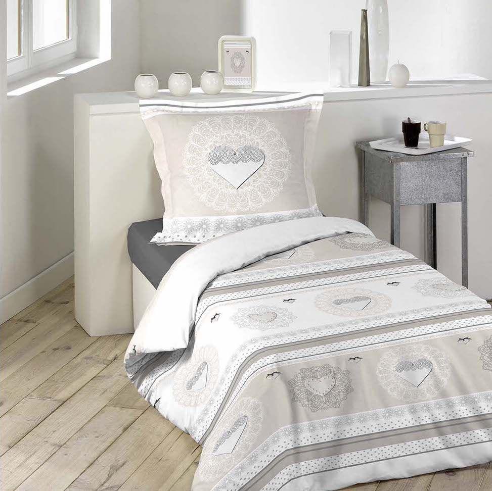 ae035b32c Vintage posteľné prádlo béžovej farby so srdiečkami | POSTEĽNÉ ...