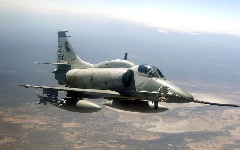 Fuerza Aérea Argentina Lockheed Martin A-4AR Fightinghawk (modified Skyhawk).