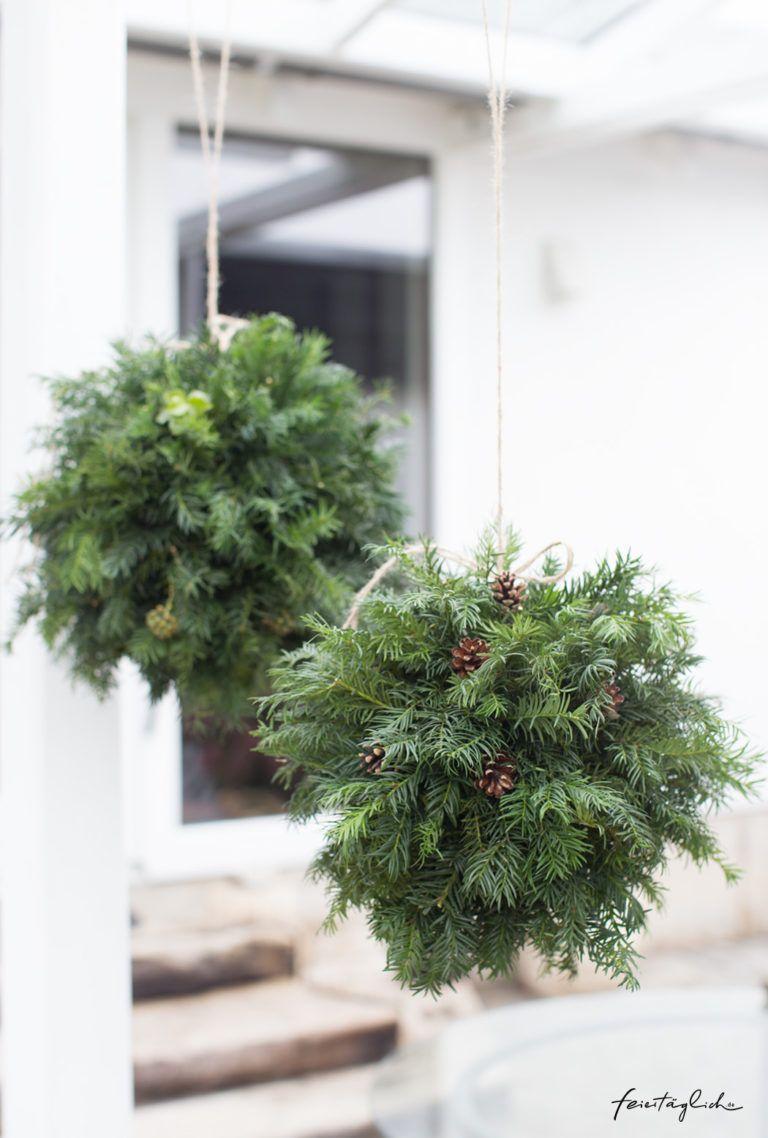 Weihnachtskugeln aus Tanne, Efeu & Zapfen – DIY-Adventsgesteck mal anders – feiertäglich…das schöne Leben