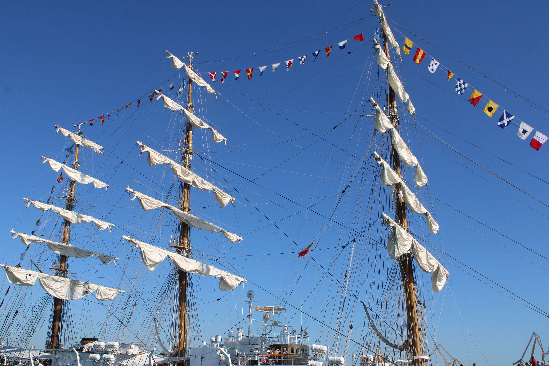 detalles del buque escuela de la armada argentina