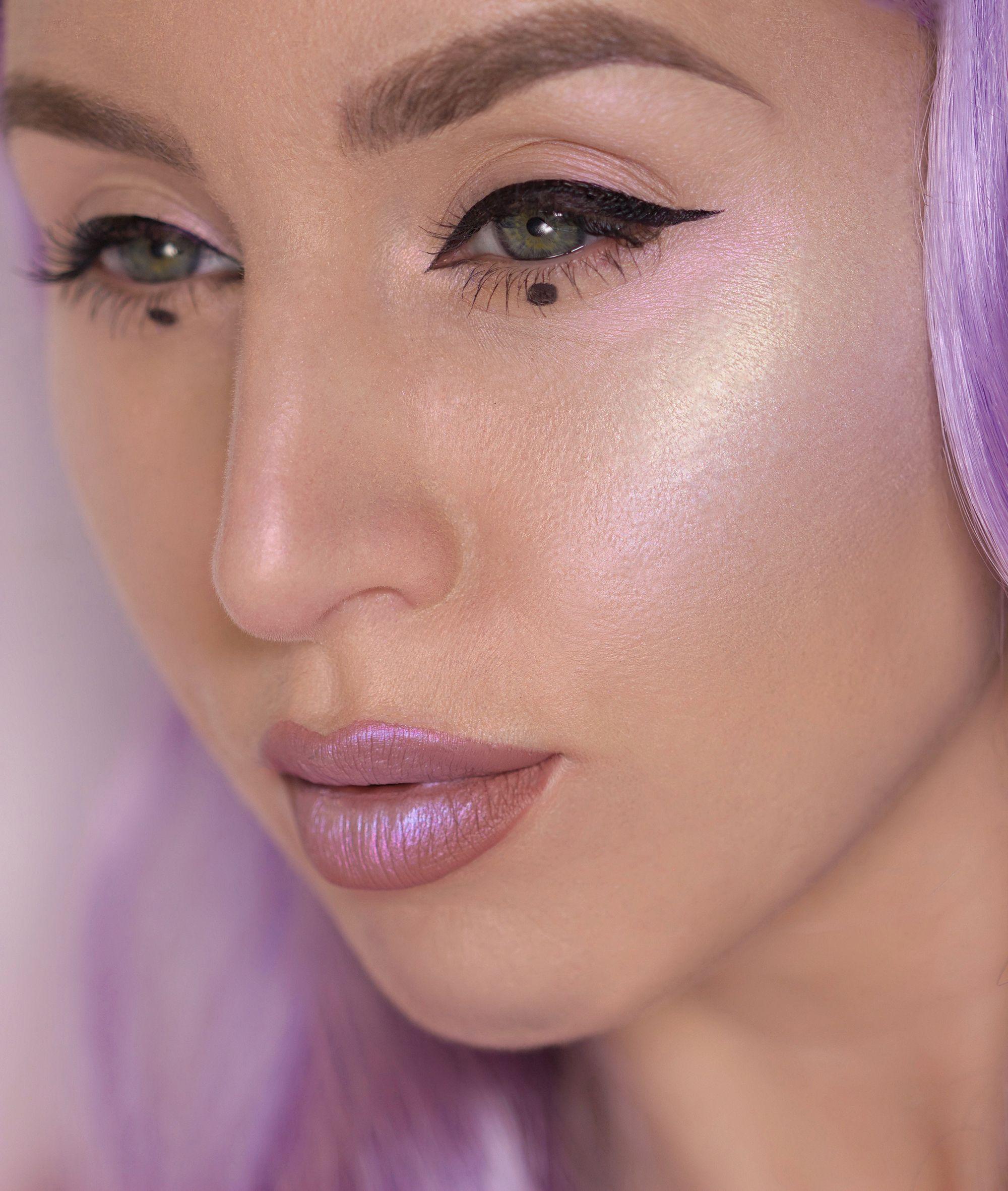 Rainbow / Unicorn highlighter look using MUA Prism
