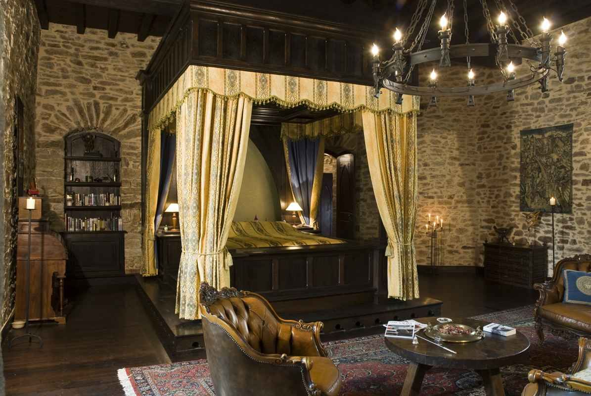 Best Bed For A King Love The Stone Walls And Sitting Area In 400 x 300