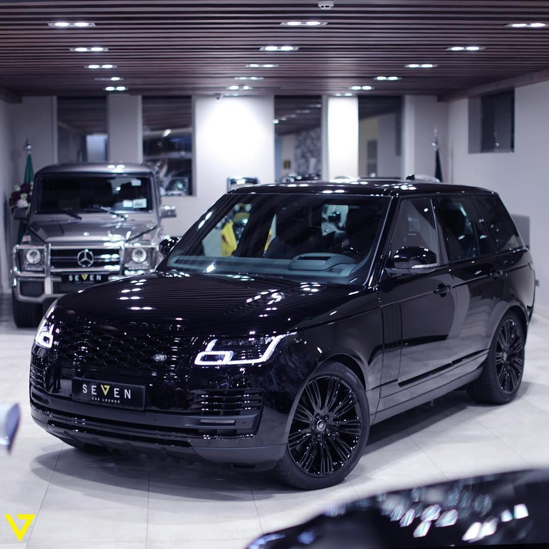 2018 Range Rover Vogue Autobiography. All in Black