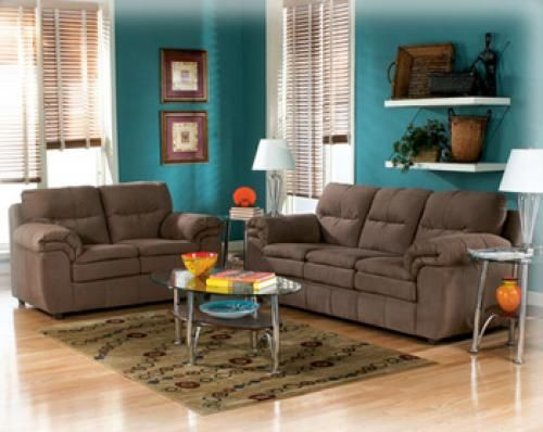 Peacock Colors And Dark Brown Furniture