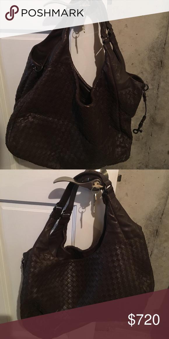 Bottega Venetta Brown Shoulder Bag Bottega Venetta Brown Shoulder Bag. Authentic. Used once. Great condition!!!! Bags Shoulder Bags