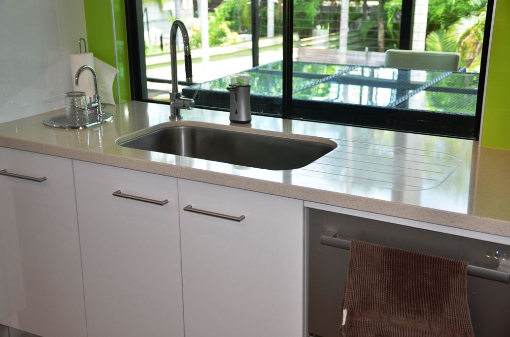 oliveri titan undermount sink quantum quartz starlight white kitchen design - Oliveri Undermount Kitchen Sinks