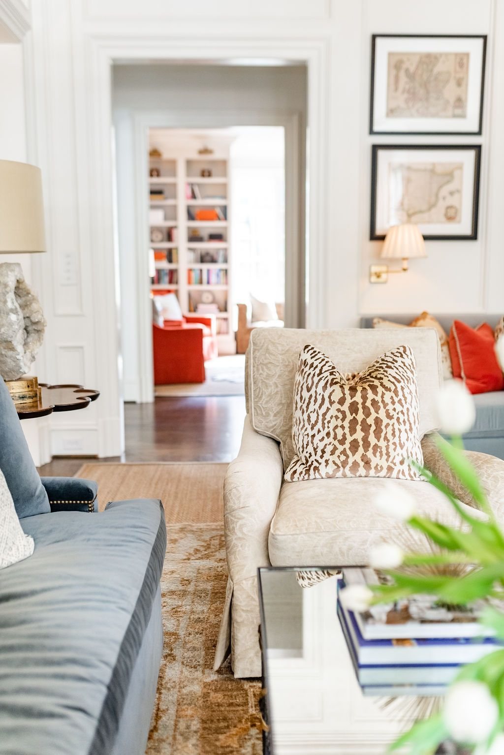 Transitional Living Room Style J Cathell In 2020 Transitional Living Rooms Living Room Style Living Room Decor #transitional #living #room #decor