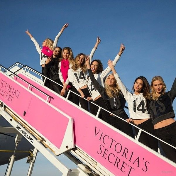 Angels in the Air! Victoria's Secret Models Travel to London ❤ liked on Polyvore featuring backgrounds and image