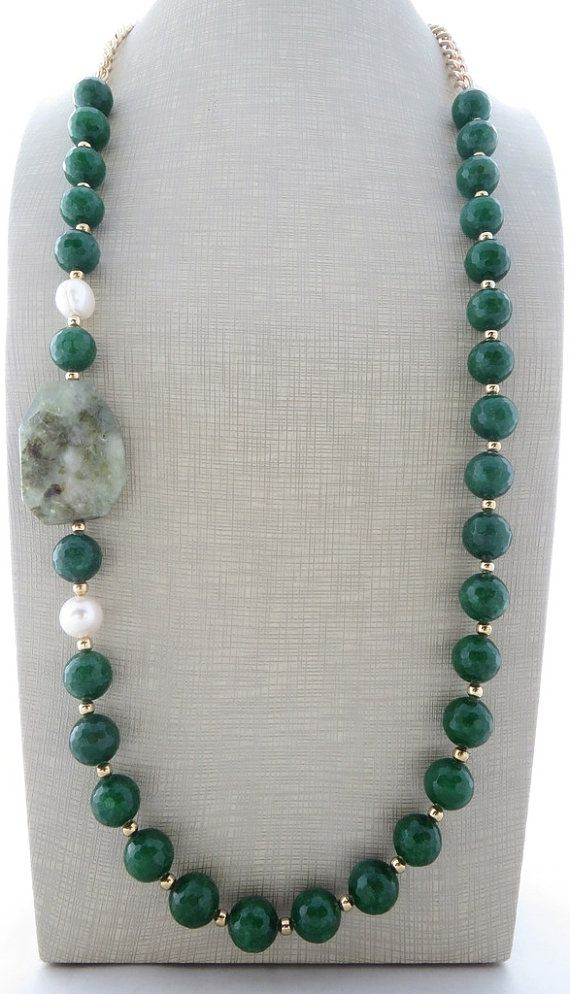 Green emerald jade necklace, chunky necklace, beaded necklace, prehnite necklace, gemstone jewelry, italian jewelry, contemporary jewelry