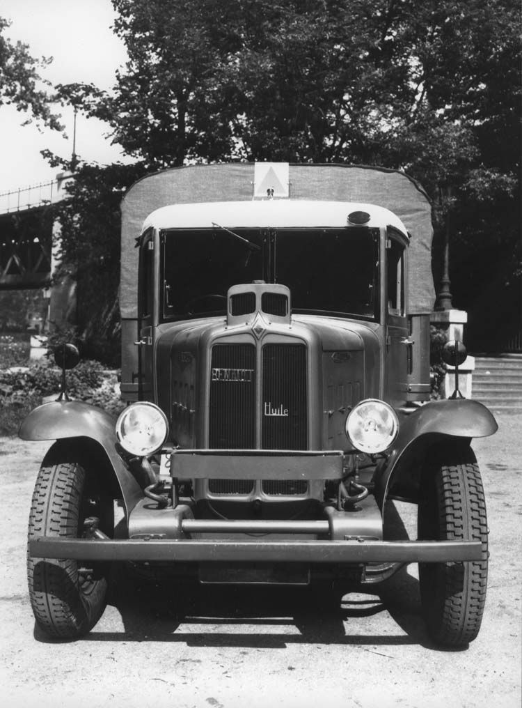camion militaire renault type tf 70 cv 1934  u00a9 renault
