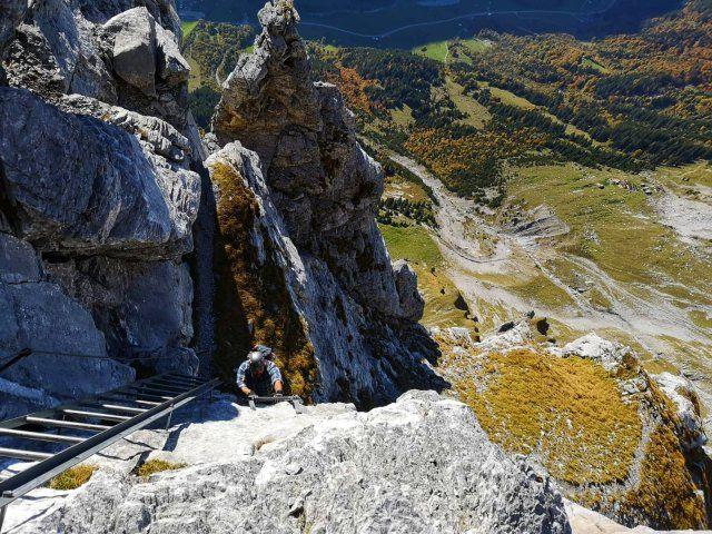 Klettersteig Lauterbrunnen : Enjoying the view on tälli via ferrata swiss alps pinterest