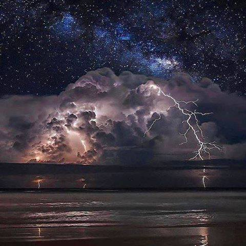 Thunderstorm And Milky Way Simply Amazing Pinterest - Amazing footage captures a lightning storm inside volcanic ash plume