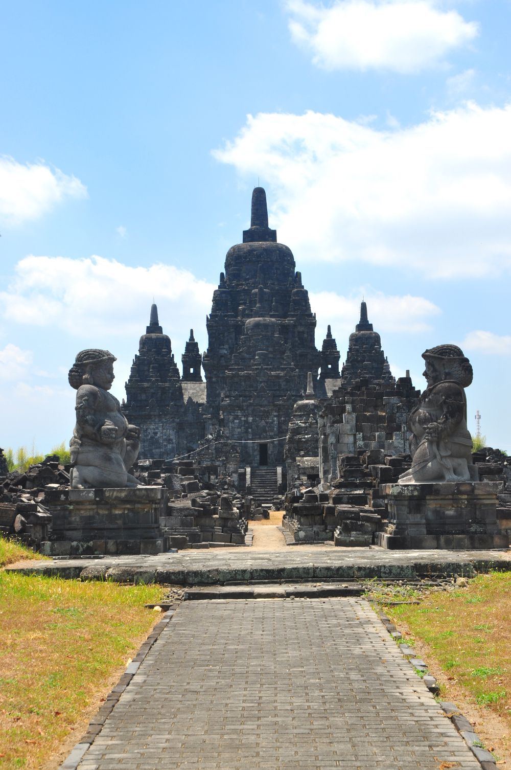 Temple guardians at Candi Sewu - copyright architectureofbuddhism.com - read the travel diary at http://architectureofbuddhism.com/books/temples-borobudur-region-travel-diary-day-one/