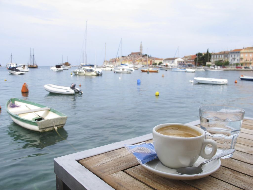 42 Photos That Will Make You Pack Your Bags For Croatia Let S Roll A Travel Blog By Flightnetwork Com Croatia Croatia Pictures Rovinj Croatia
