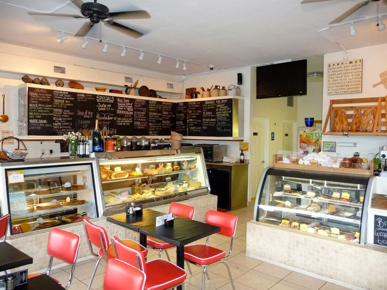 diner cafe - Google Search I like the black board menus over ...