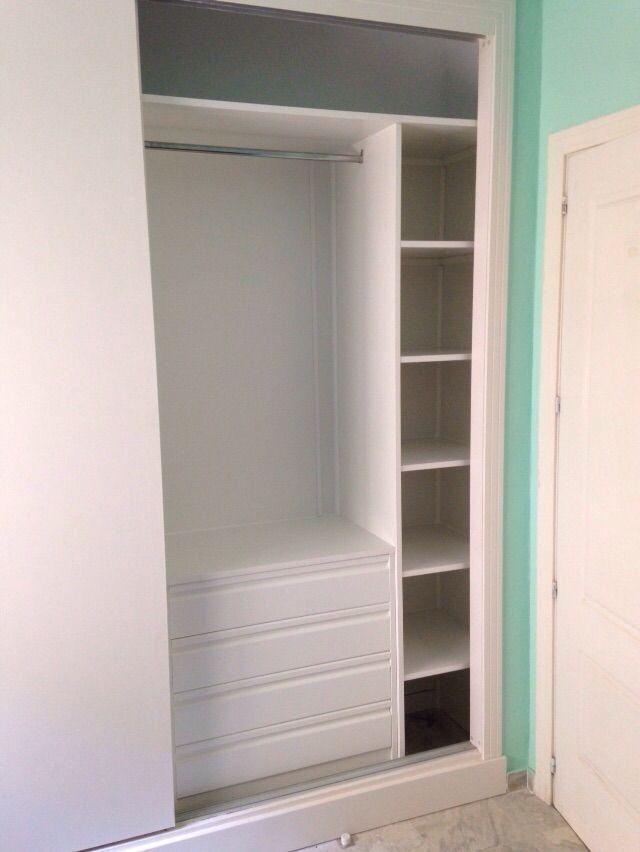 Forrado armario empotrado en blanco cajonera postformada interiores de armario pinterest - Como hacer armario empotrado ...