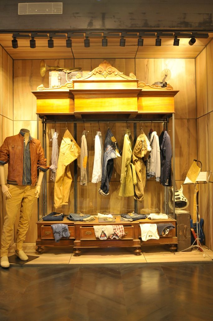 wardrobe-Replay store  barcelona-