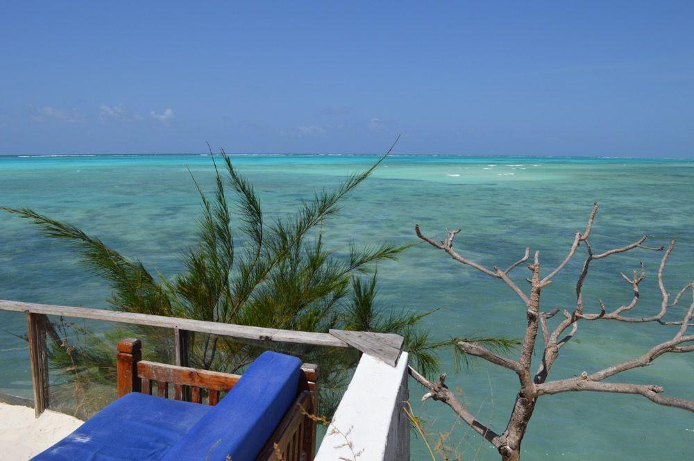 フォトジェニック 海に浮かぶレストラン ザ ロック ザンジバル ザンジバル セネガル インド洋