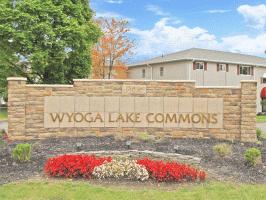 Wyoga Lake Commons 4260 Americana Dr Cuyahoga Falls Oh 44224 Cuyahoga Falls Lake Great Places