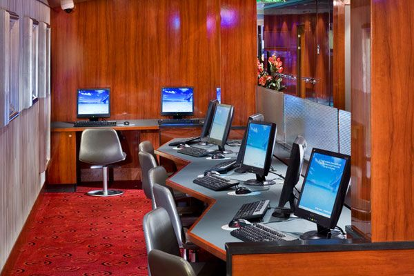 Aboard The Pearl Internet Cafe With Images Cyber Cafe Design