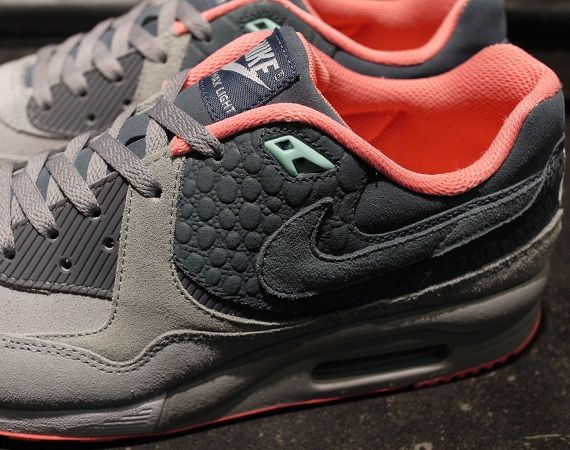 detailing 0931e f9e07 ... mita Sneakers x Nike Air Max Light Premium ...