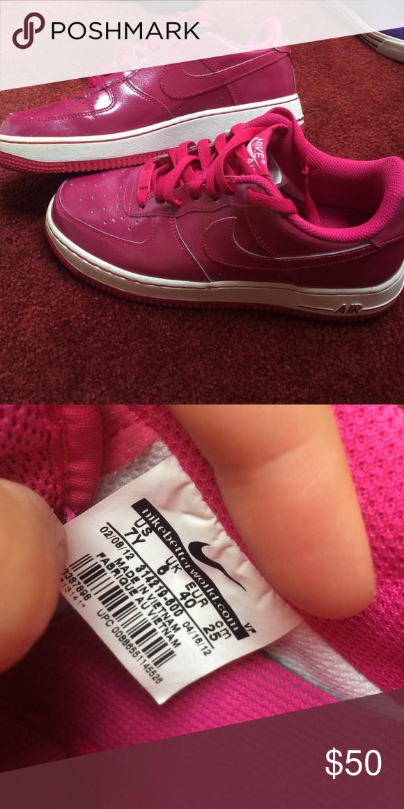 PINK NIKE AIR pink nike air sneakers. size 7. Nike Shoes Sneakers