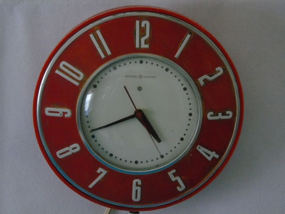 Vintage 1950s General Electric 2h26 Kitchen Wall Clock Retro Red White Works