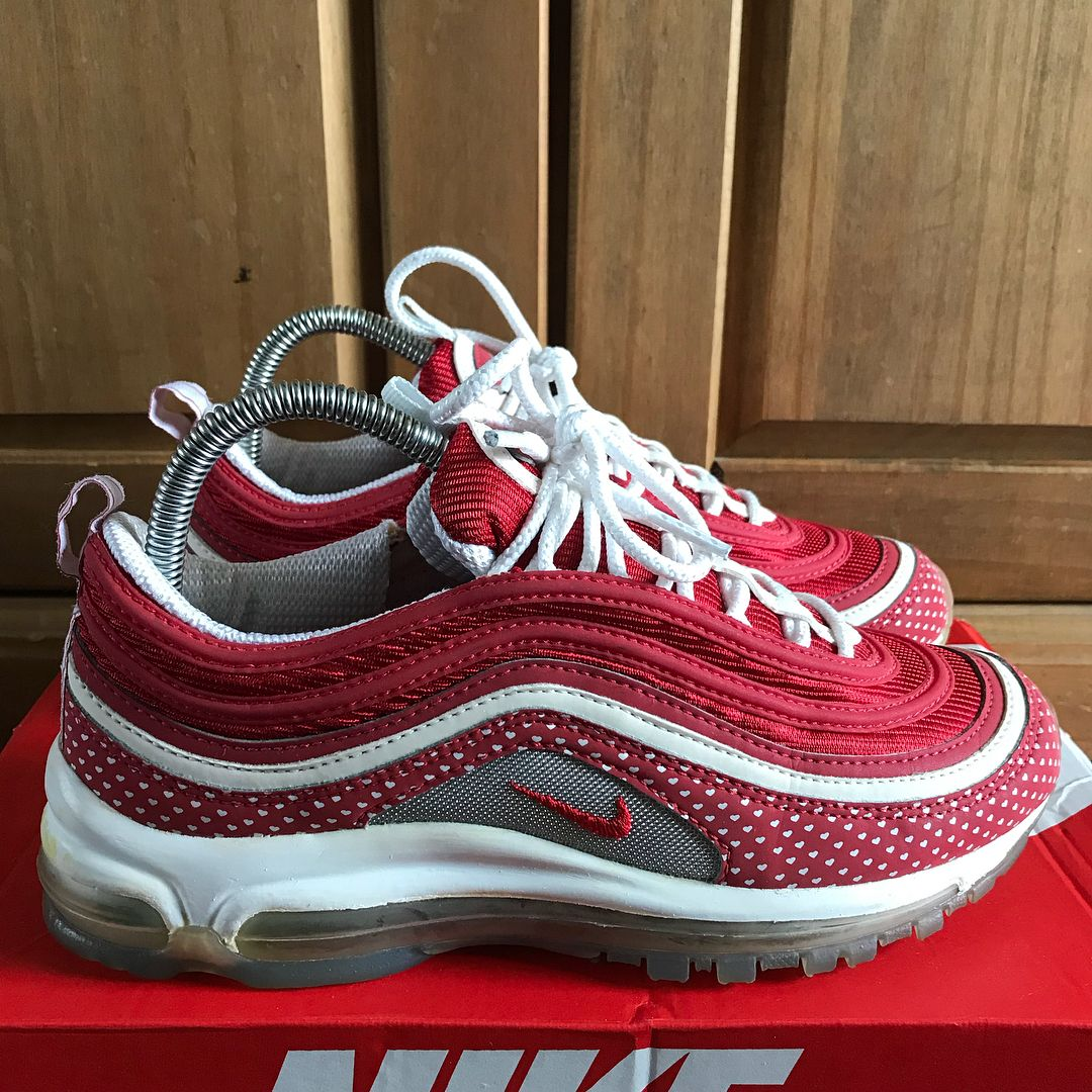 100% authentic cd354 6f68b Air Max 97 Valentines Day Siz | schoenen in 2019 | Air max ...