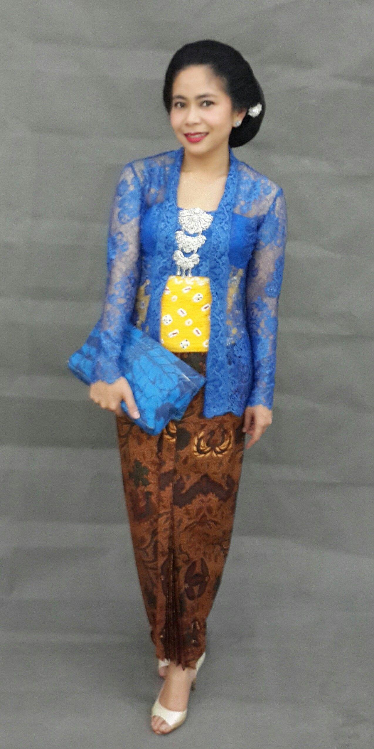 Traditional Outfit Kebaya Kutubaru Concerto Mytulisan Sanggul
