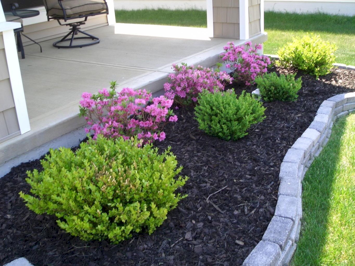 Awesome 60 Modern Low Maintenance Front Yard Landscaping Ideas Front Landscaping Lowmainten Small Front Yard Landscaping Porch Landscaping Easy Landscaping