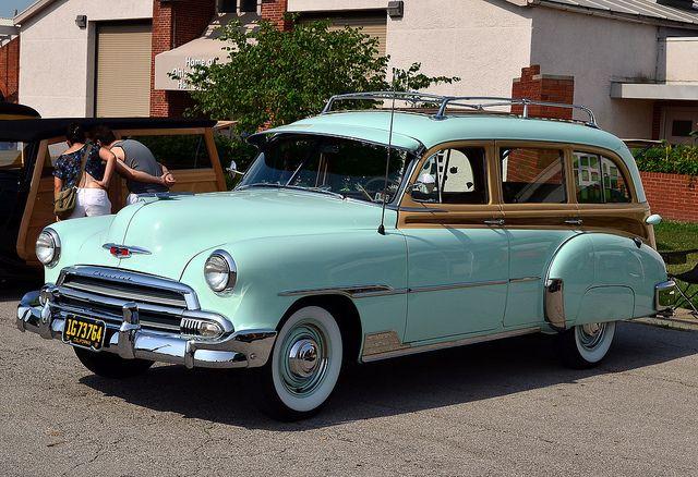 e10cc2c2cf7a8e 1951 Chevrolet Station wagon Oh I love this! Especially the color!