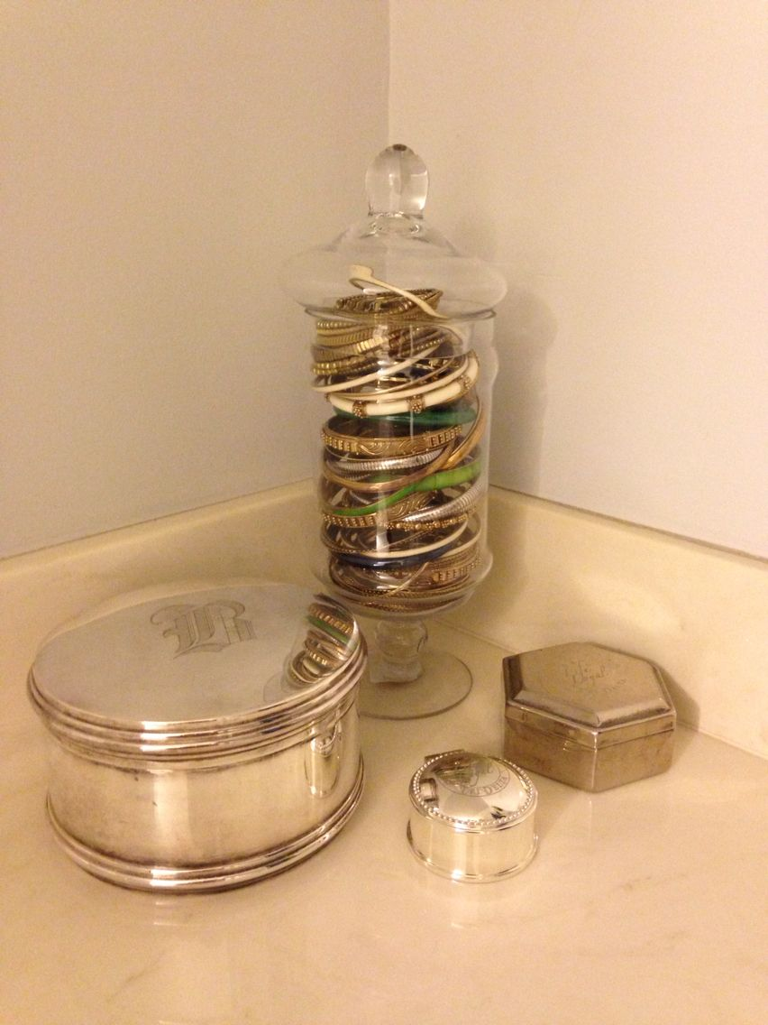 Loving my new bracelet storage/display (and of course my 2 #lifeloyal silver jewelry boxes from @tridelta