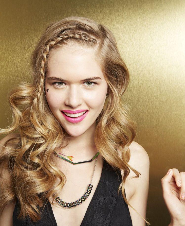 Coole Frisuren Teenager Mädchen Seitlicher Stirnzopf Frisuren
