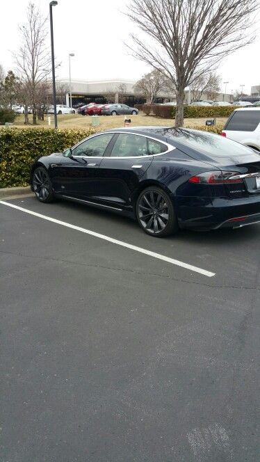 This by far is one of the best electric cars made. Got to get one #livinglifetothefullest #lifechanging #funtimes
