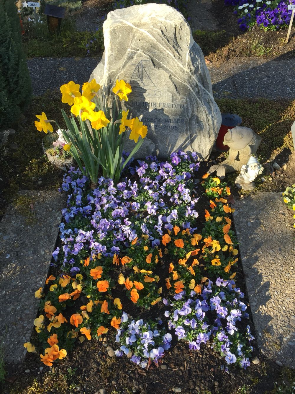Fruehlibgsbepflanzung | Grabbepflanzung, Bepflanzung und ...