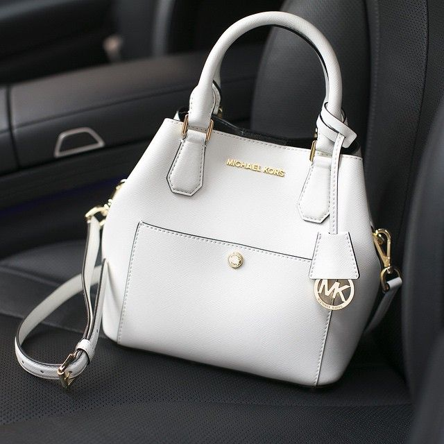 Breaking out our winter white with the Greenwich bag