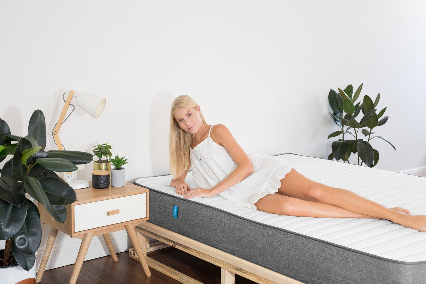 Memory Foam Bed Mattress Available For Single King Single Double Queen And King Size With 15 Year Warranty A Mattress Buying Best Mattress Foam Mattress Bed