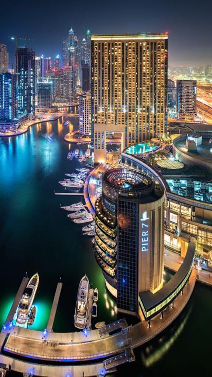 Dubai é A Cidade Mais Populosa Dos Emirados árabes Unidos Ele Está Localizado Na Costa Sudeste Do Golfo Pérsico E é Dubai City Dubai Architecture Dubai Travel