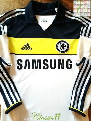 b1f861799 Relive Chelsea s 2011 2012 season with this original Adidas Techfit player  issue long sleeve football shirt.