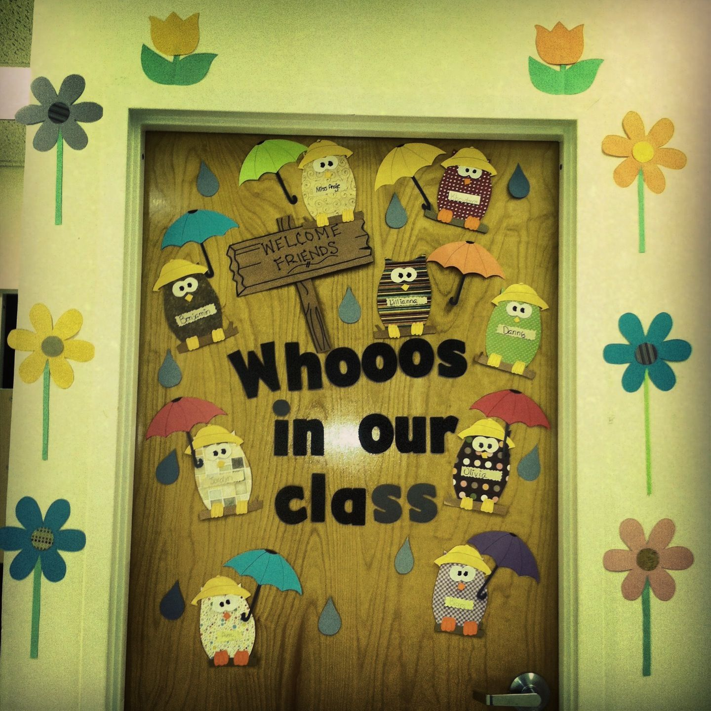 Spring door decoration with owl theme toddler for Nursery class door decoration